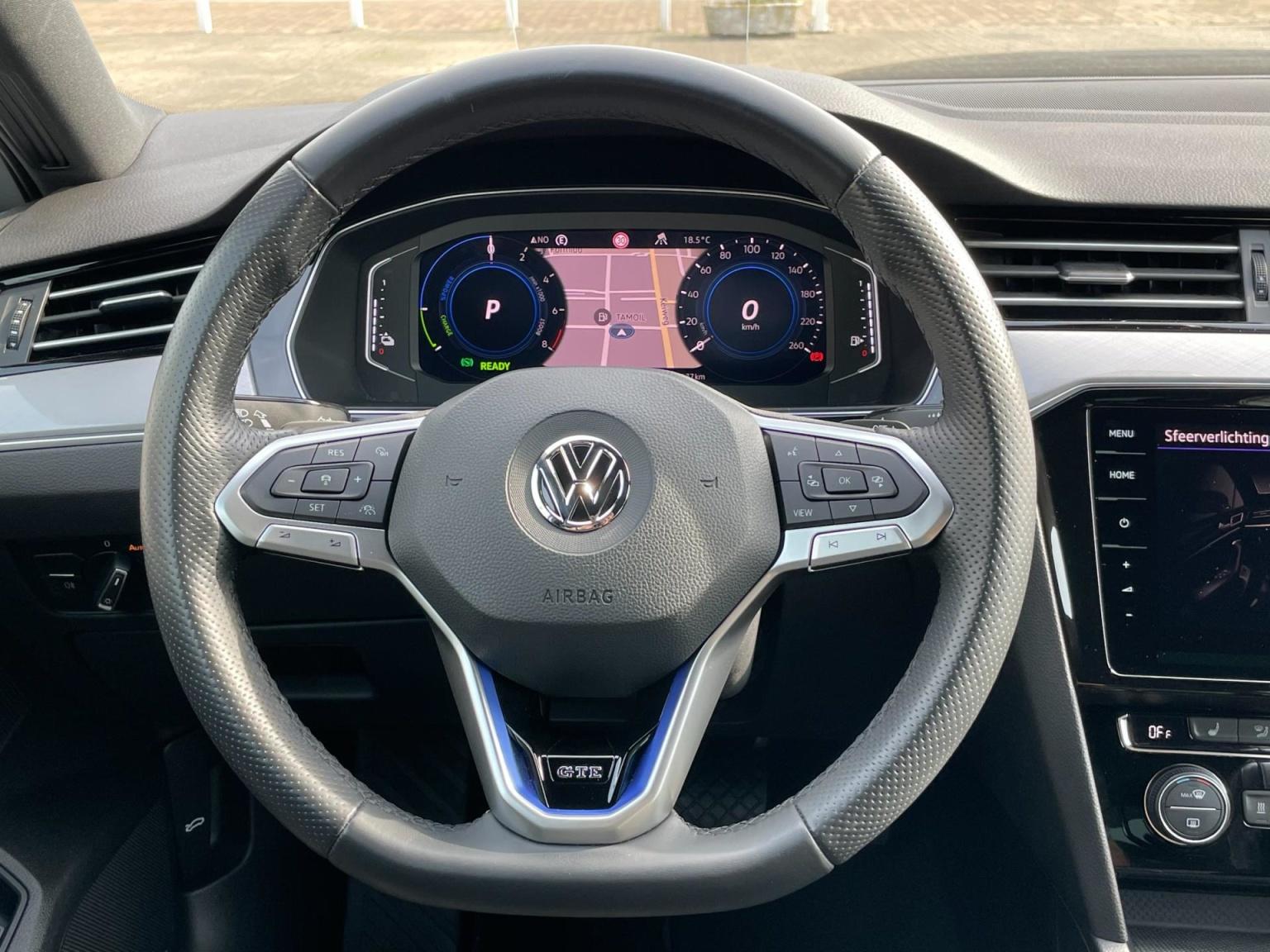 Volkswagen-Passat-71
