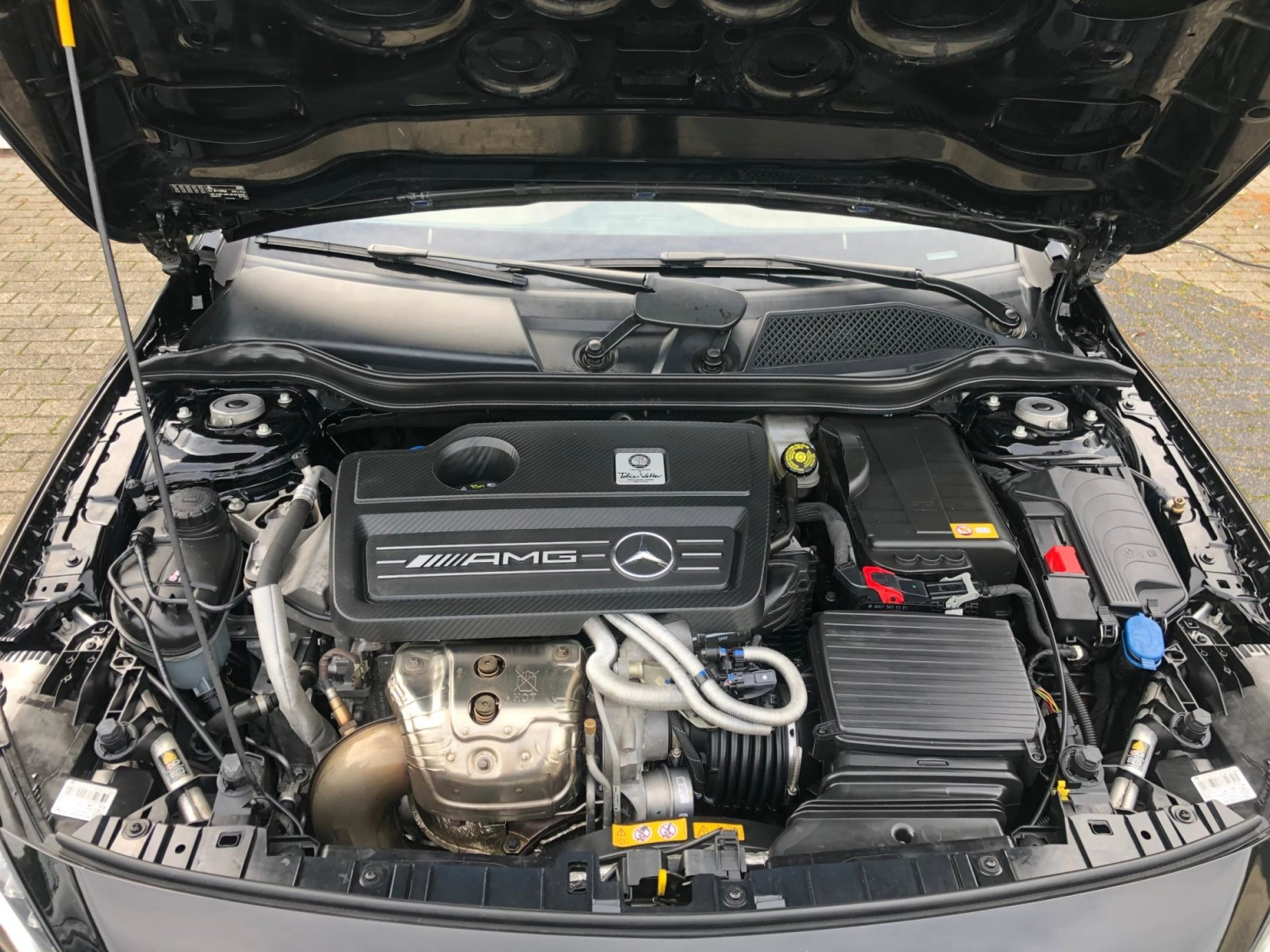 Mercedes-Benz-GLA-31