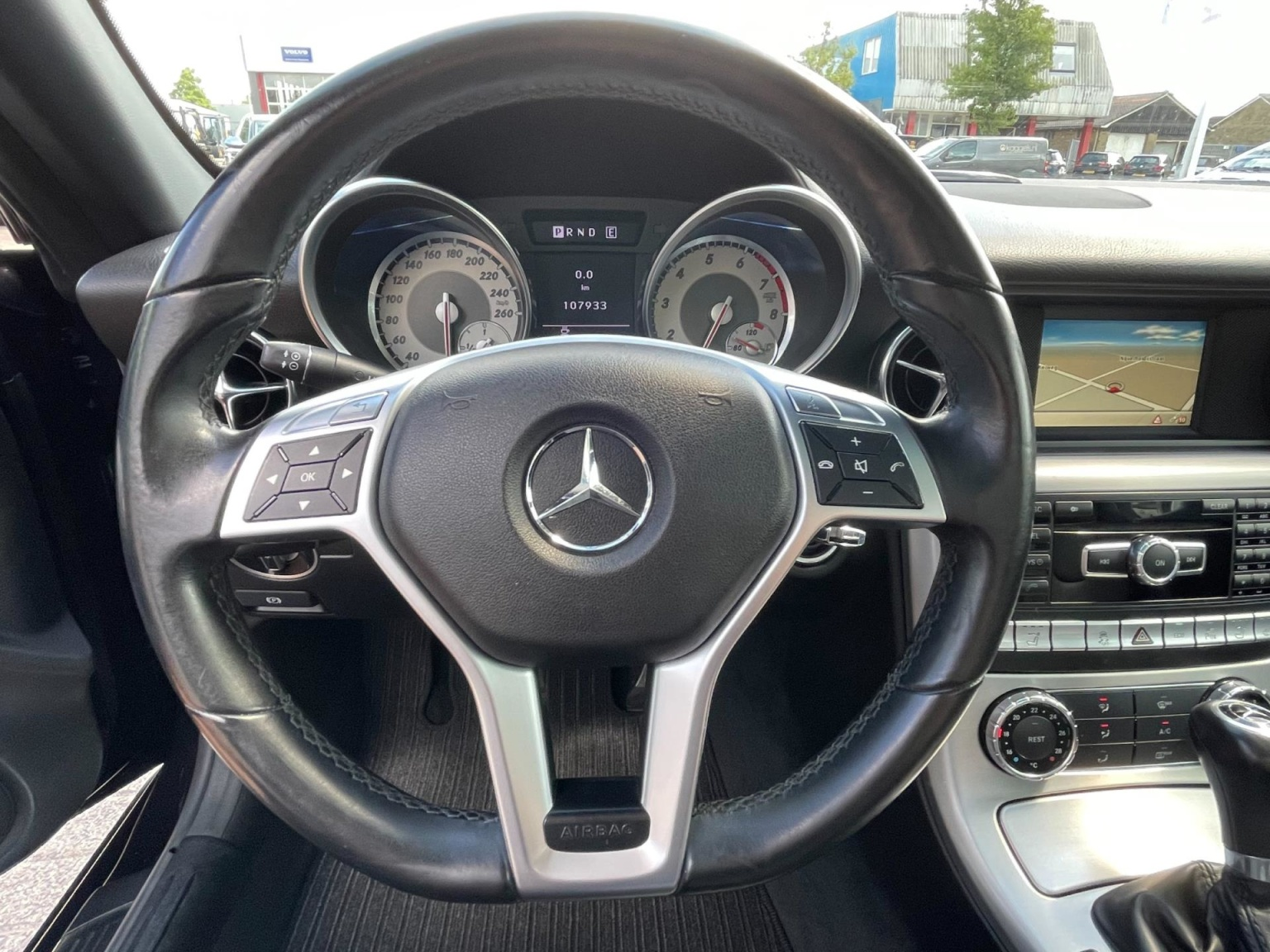 Mercedes-Benz-SLK-16