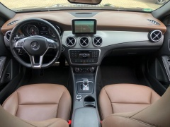 Mercedes-Benz-GLA-21