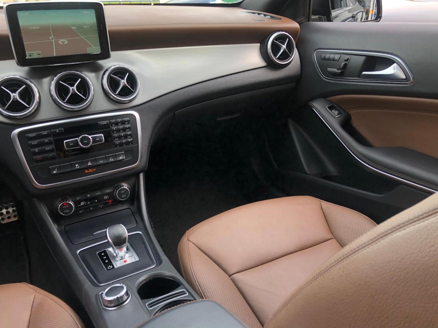 Mercedes-Benz-GLA-29