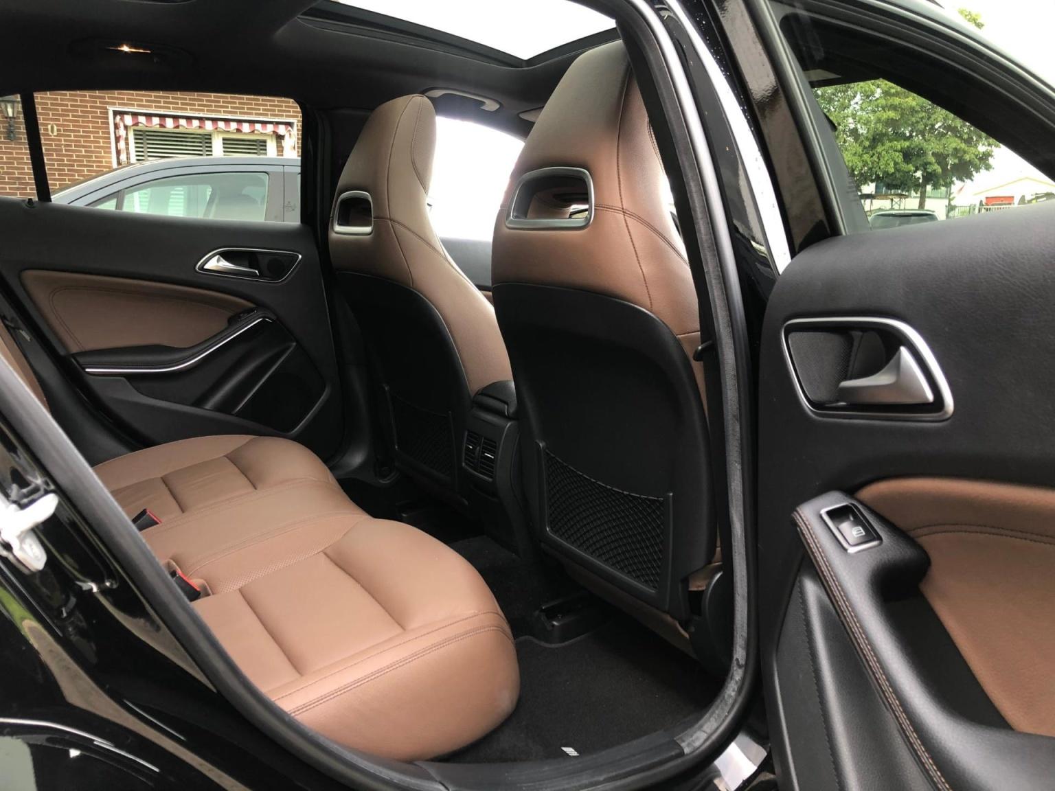 Mercedes-Benz-GLA-18