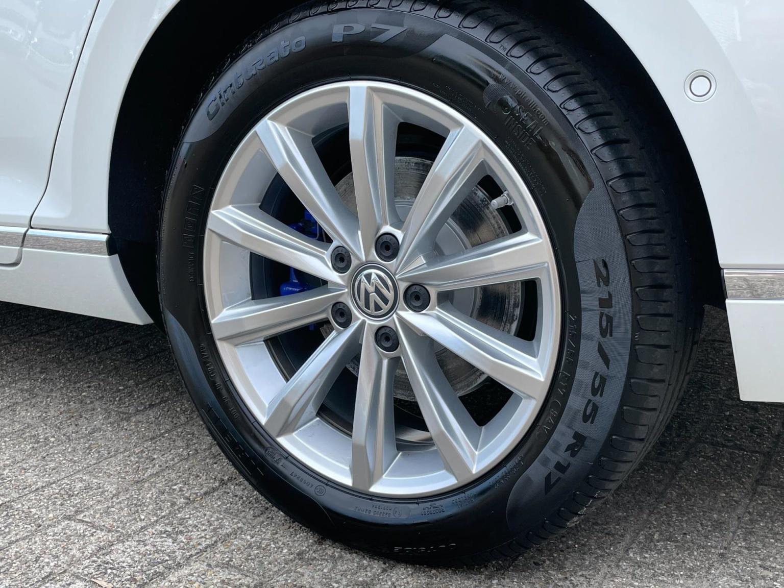 Volkswagen-Passat-10