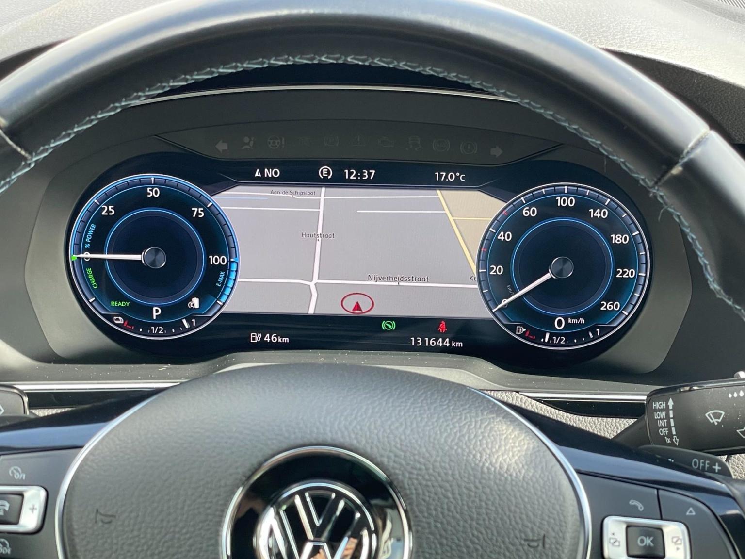 Volkswagen-Passat-39