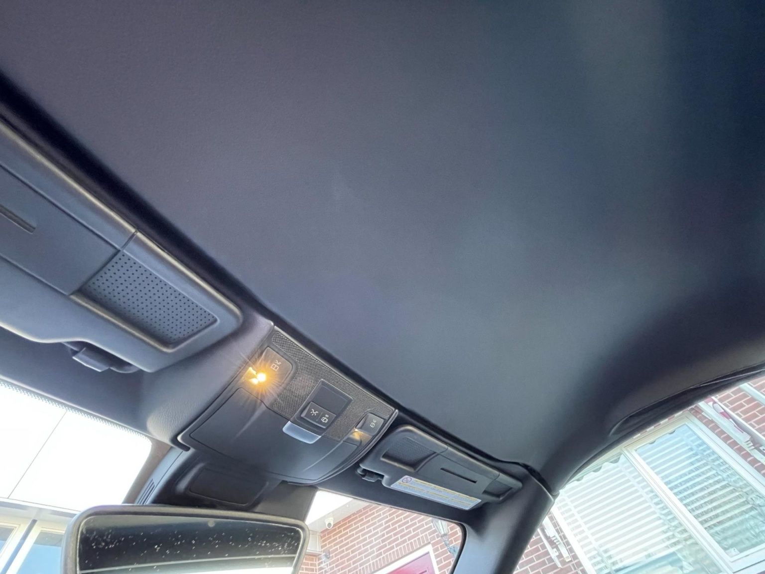 Mercedes-Benz-SLK-33