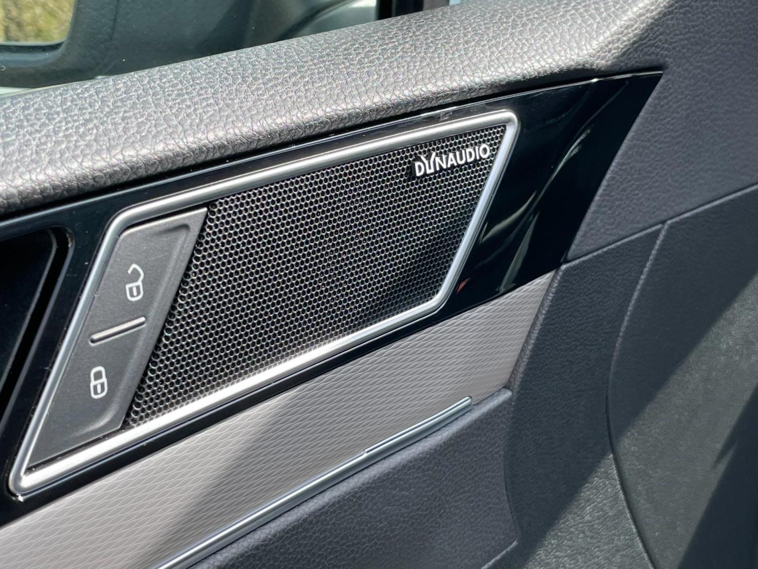 Volkswagen-Passat-20