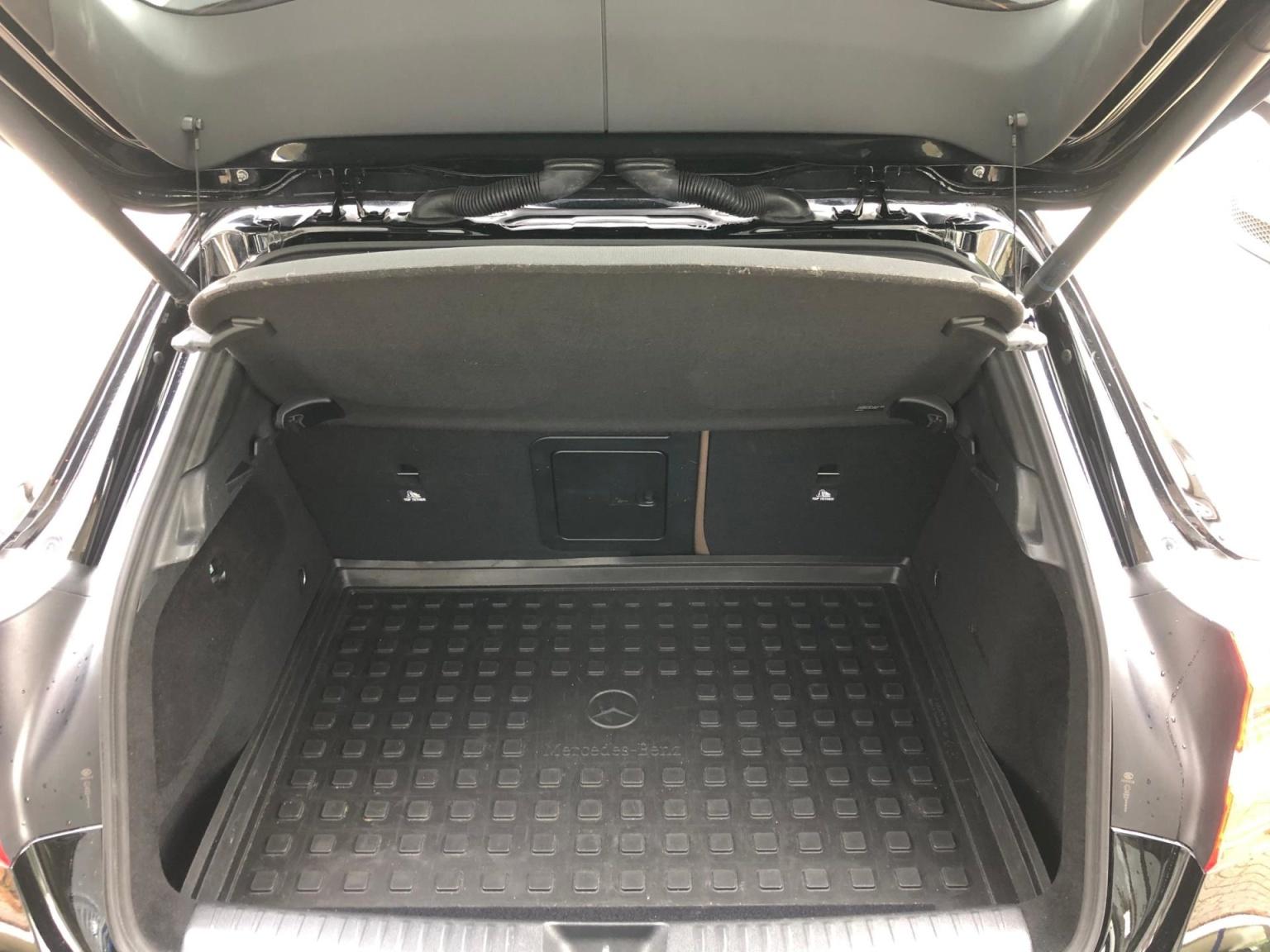 Mercedes-Benz-GLA-34