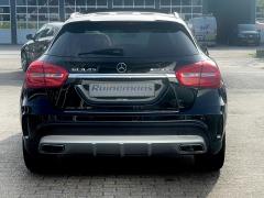 Mercedes-Benz-GLA-44
