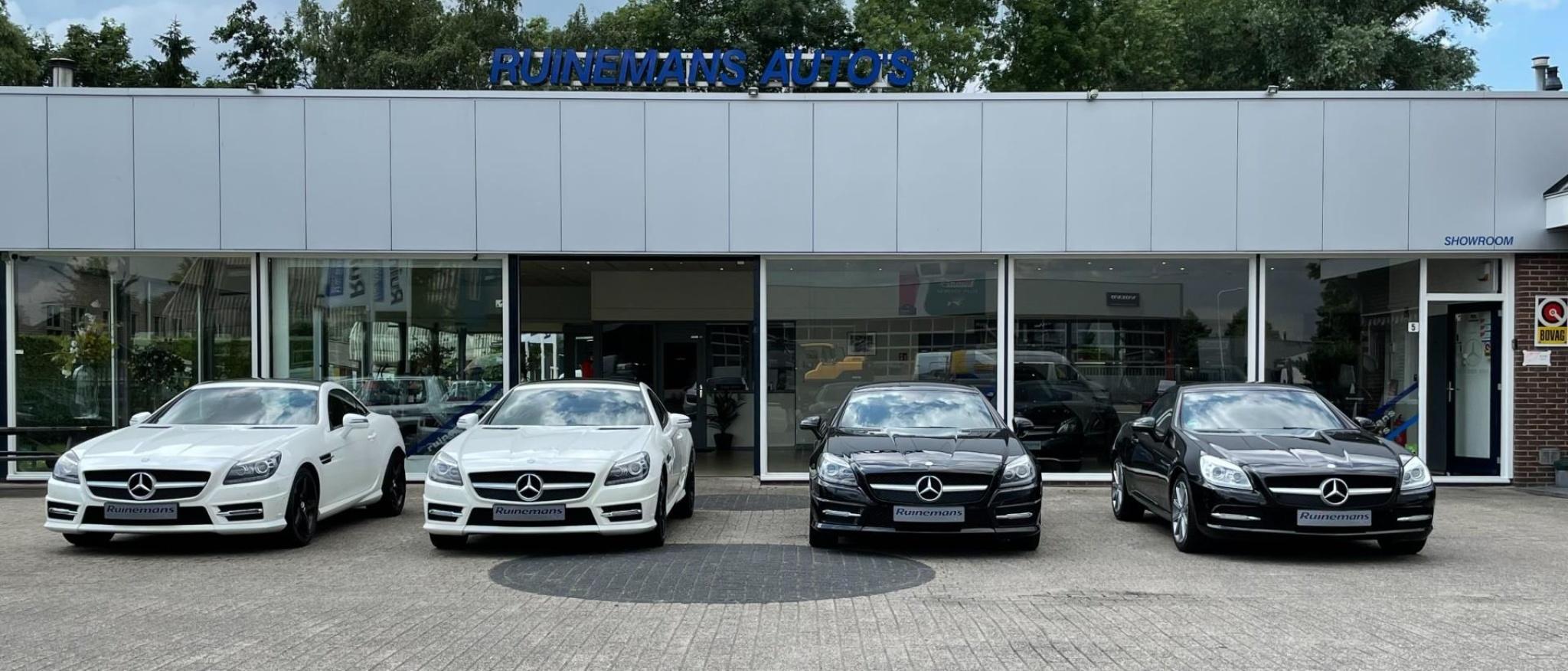 Mercedes-Benz-SLK-44
