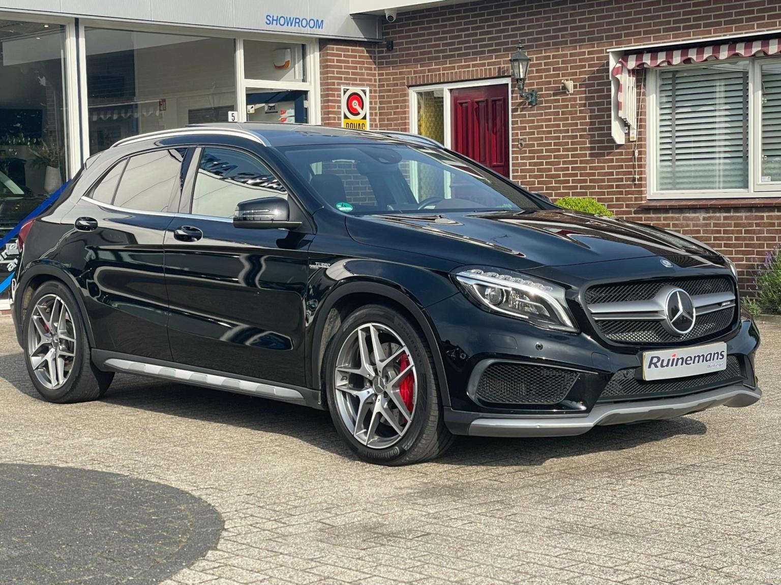 Mercedes-Benz-GLA-41
