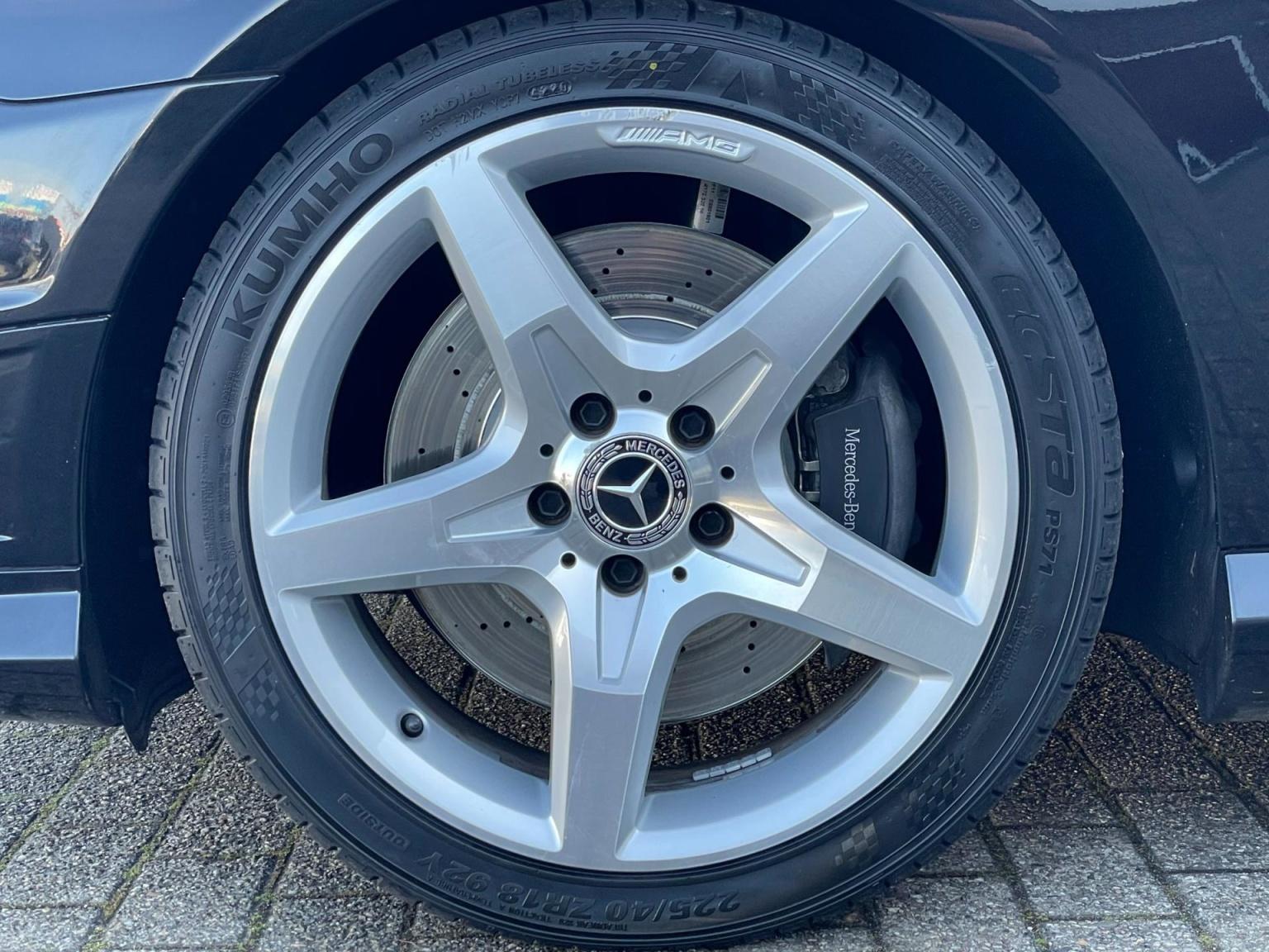 Mercedes-Benz-SLK-11